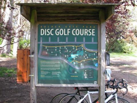 An image showing signage of golden gate park disc golf course