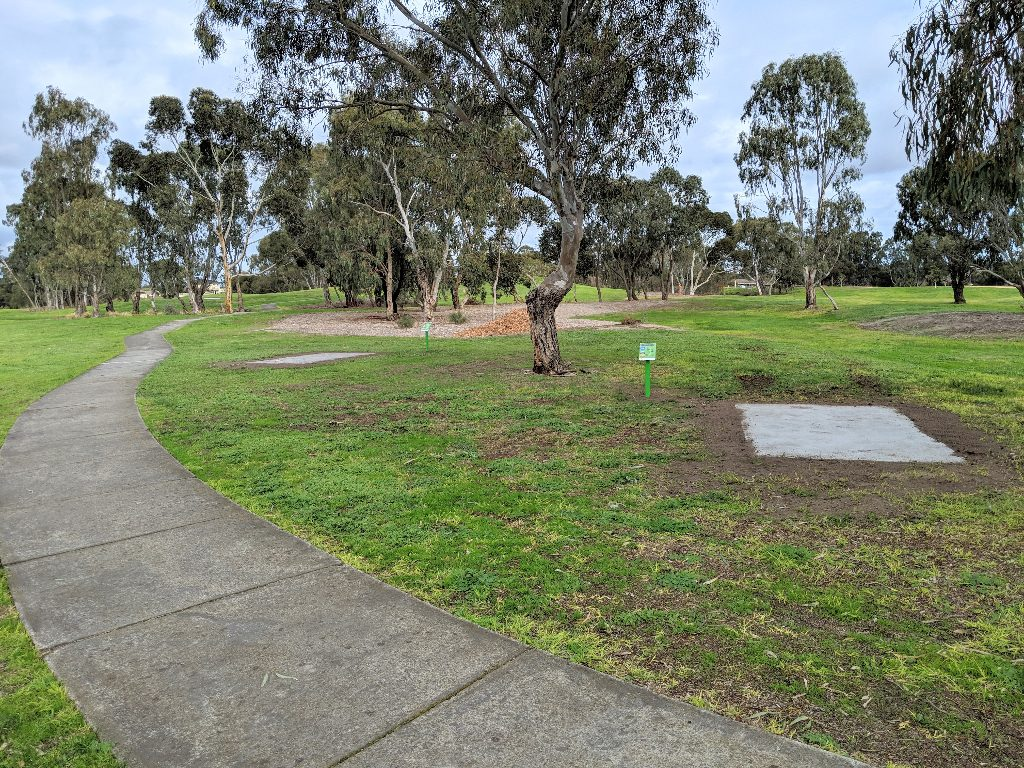 an image of disc golf tee pad